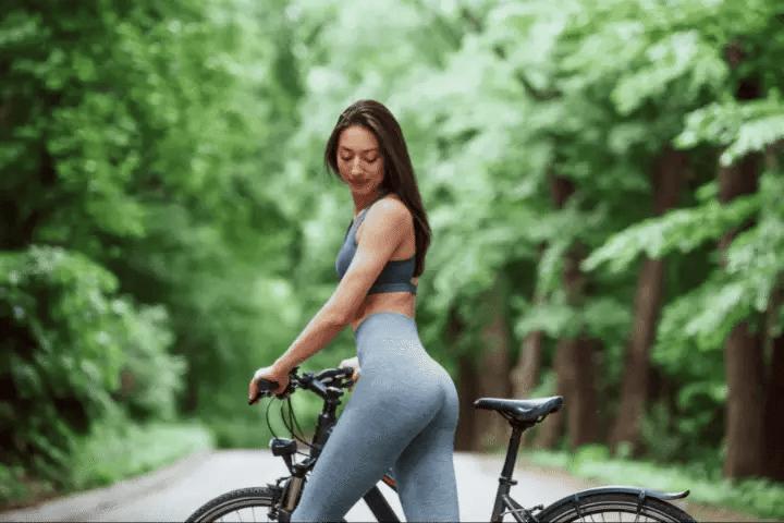 Is It Ok To Wear Yoga Pants In Public